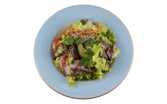 Салат с говядиной в пикантномсоусе