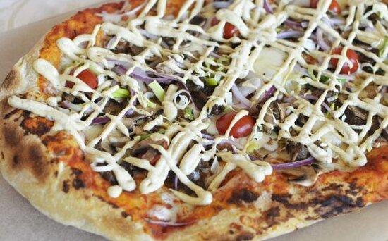 Пицца с говядиной и итальянским майонезом