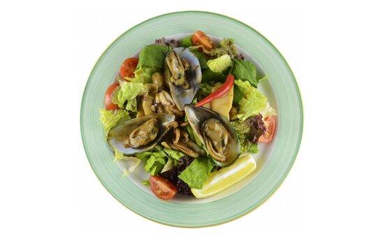 Салат «Морепродукты» в устричномсоусе