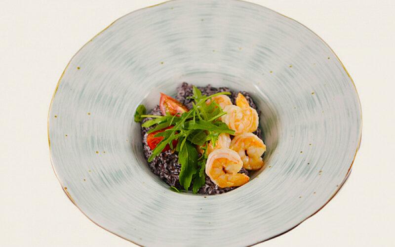 Паста «Ризотто» из черного риса с креветками