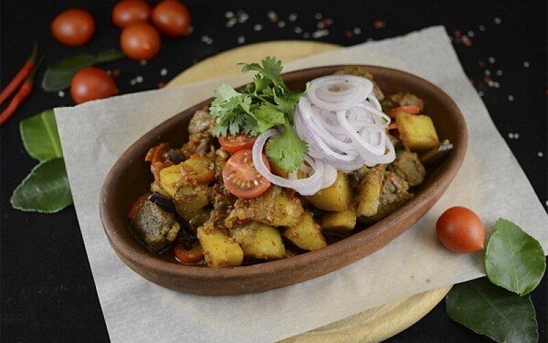 Баранина с овощами, домашней аджикой на Кеци