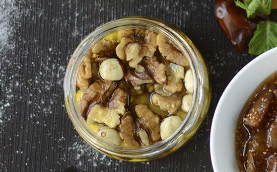 Орехи  смедом
