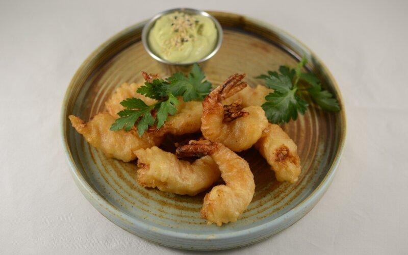 Креветки Темпура с соусом Сливочный васаби