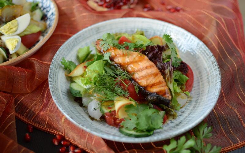 С лососем и копченым сулугуни